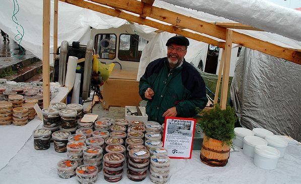 Любителям салаки стоит посетить Хельсинки, где проходит ярмарка, посвященная исключительно этой рыбе