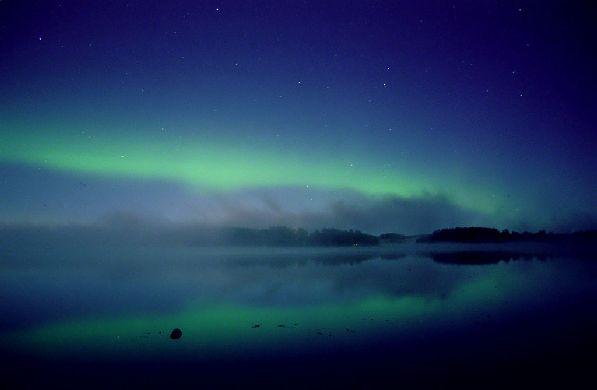 Самая яркая во всех этого смысла достопримечательность сентября - это, конечно, северное сияние!