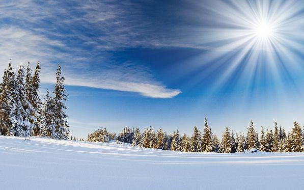 А в Лапландии, наоборот, очень много солнца, и небо практически всегда радует восхитительной синевой.