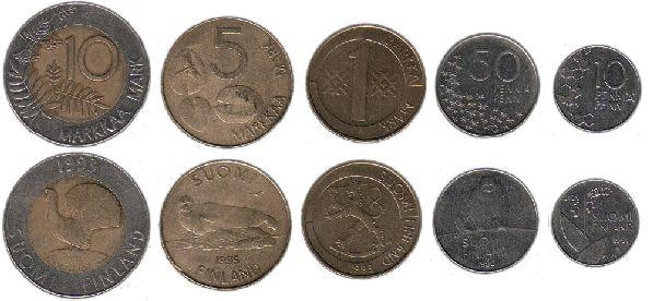 Финские пенни и марки.
