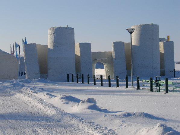 Главная достопримечательность Кеми в зимнее время  - рукотворный снежный замок.