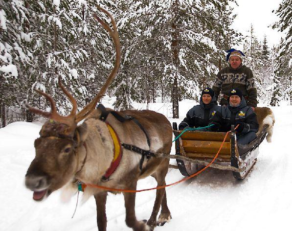 В мае в северной Финляндии ещё полно снега, а значит, и возможностей для зимних забав!