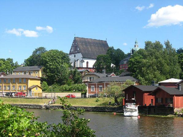 Май одаривает южную Финляндию цветами и сочной зеленью.