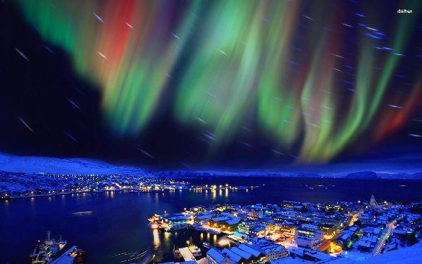 Один из серьёзных поводов посетить Финляндию  - завораживающий ''танец'' северного сияния.