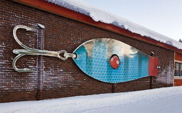 Крупнейшая фабрика блесны в Финляндии ''Kuusamon Uistin''.